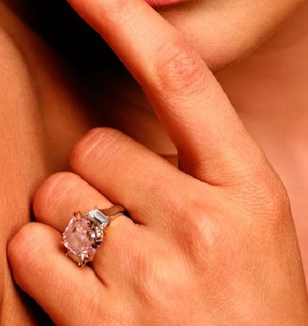 J.Lo's Engagement ring how much is it worth   Flawless Fine Jewellery